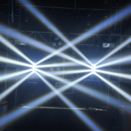 "AMERICAN DJ ""Crazy 8"" Special LED Moving Head"